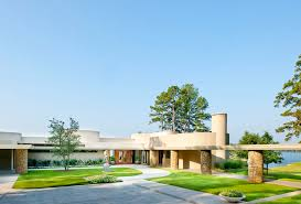 frank lloyd wright inspired home with lush landscaping frank lloyd wright inspired lake house design boasting unique