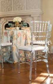 clear chiavari chairs we re a obsessed with how amazing our clear chiavari chairs