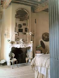 Bedroom Fireplace Ideas by Best 25 Shabby Chic Fireplace Ideas On Pinterest Haunted