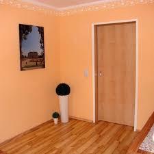 Wohnzimmer Farbe Orange Gemütliche Innenarchitektur Wohnzimmer Farbe Apricot Funvit
