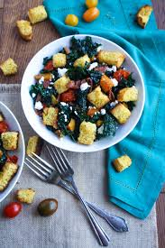 kale and cornbread crouton salad