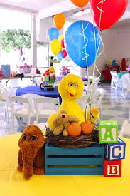 Centerpieces Birthday Tables Ideas by Best 25 Sesame Street Centerpiece Ideas On Pinterest Sesame