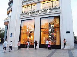 why louis vuitton never goes on sale business insider