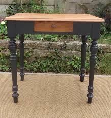 bureau à l ancienne table bureau ancienne aux pieds noirs