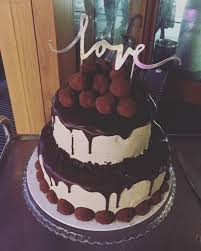 the first stacked cake i made for my best friends wedding last
