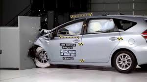toyota prius v safety rating iihs 2015 toyota prius v small overlap crash test