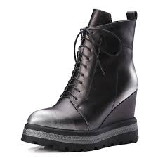womens boots trends 2017 10 boot trends to for fall 2017 madonna comadonna co