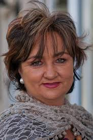 hair cuts for over 50 with fat round faces with round forheads with thin hair short hairstyles for fat women with round face short hairstyles