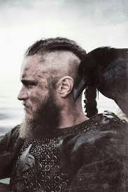 what hairstyle ragnar lothbrok vikings ragnar lothbrok beard pinterest vikings ragnar