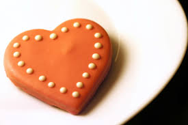 heart shaped cookies file chocolate dipped heart shaped cookies jpg wikimedia commons