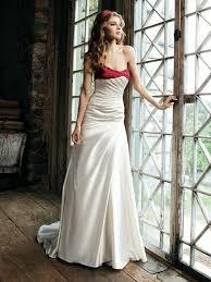 schleppe brautkleid zierliches brautkleid weiß rot mit schleppe