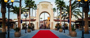 halloween horror nights with annual pass win a pass member exclusive sunday pass universal studios hollywood