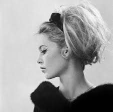5 facts about 1960 hairstyles 7 hairstyles of the 60s you d totally wear today