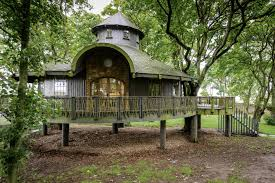 Treehouse Europe - top 5 uk u0027s best treehouse escapes about time magazine