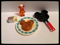 Mickey Mouse Kitchen Set by Re Ment Mickey Mouse Retro Kitchen Hobby Dream