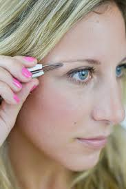 How To Trim Eyebrows How To Groom And Primp Sparse Brows The Everygirl