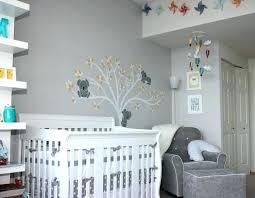 chambre bébé peinture murale peinture mur chambre bebe gallery of trendy papier peint pour