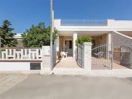 933 two room house with 933 two room house with courtyard by