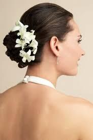 Hochsteckfrisurenen Hochzeit Klassisch by Brautfrisuren Mit Blumen 22 Ideen Für Ein Perfektes Hochzeitsgefühl