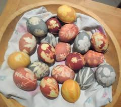 Decorating Easter Eggs Natural Dyes by How To Make Super Groovy All Natural Easter Eggs Field Notes