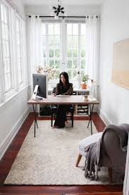 Office Decor Pinterest by Decorating A Small Office 25 Best Ideas About Small Office Decor