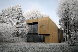 hamac si e galerie foto casa pasiva din padure cu hamac si gazon in interior