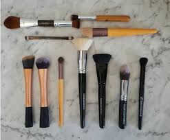 beautifully glossy makeup brushes for sensitive skin