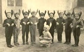 Historical Halloween Costume 70 Vintage Halloween Costumes Creepy Stuff