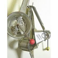 ustensile de cuisine vintage vendu ustensiles de cuisine vintage moulin legumes 40 s lot de