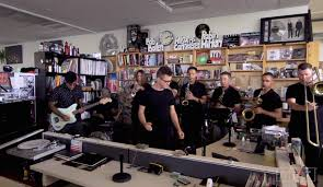 Small Desk Concert Delivers Soulful Tiny Desk Concert Fender Artist News