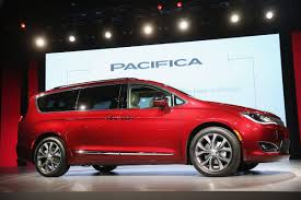 minivans top speed chrysler u0027s new minivan to come with top of the line price the