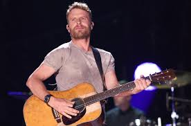 dierks bentley brother dierks bentley debuts music video for u0027hold the light u0027 from his