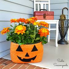 repurposed straw tote bag halloween jack o lantern pumpkin planter