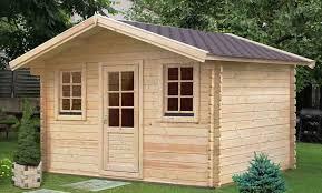 di legno per giardino casette da giardino meglio in legno o pvc
