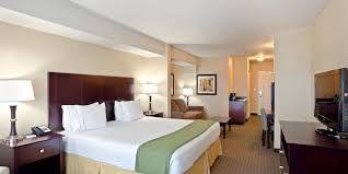 2 bedroom suite seattle holiday inn express suites seattle north lynnwood hotel by ihg