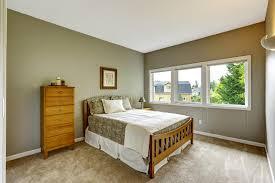 chambre couleur grise intérieur de chambre à coucher dans la couleur grise avec les