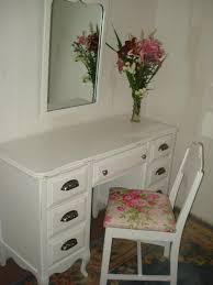Vanity Case Listowel 9 Best Shabby Chic Paint Jobs Images On Pinterest Shabby Chic
