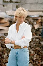 Kensington Pala by A Statue Of Princess Diana Will Be Erected At Kensington Palace