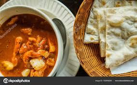 cuisine indienne naan curry de cuisine indienne et nan photographie