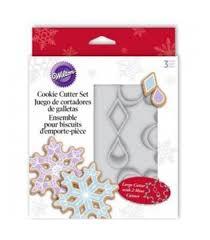 wilton 1 cookie cutter snowflake 2 mini cookie cutters