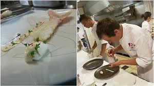 recette de cuisine de chef étoilé le chef étoilé arnaud lallement prépare des plateaux repas pour la