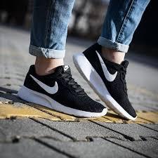 Nike Tanjun Black nike tanjun black boy size 3 5 4 4 5 5 5 5 6 6 5 7