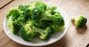 cuisiner brocolis recette brocolis sautés à l ail en vidéo