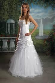 brautkleid figurbetont figurbetontes brautkleid feminin kleid hochzeitskleid a linie neu