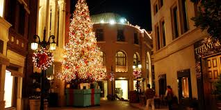 beverly hills christmas lights the best neighborhoods in l a to see winter wonderland lights