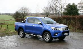 toyota hilux toyota hilux invincible d c review 2017 cars uk