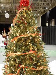 gold christmas tree and gold christmas tree pictures photos and images for