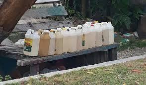 Minyak Tanah Per Liter minyak tanah langka di masohi harga pun melonjak berita maluku