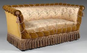 canapé napoléon 3 canapé capitonné à décor de cordons et passementerie époque