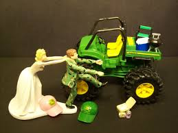 deere cake toppers no gator deere and groom in camo wedding cake